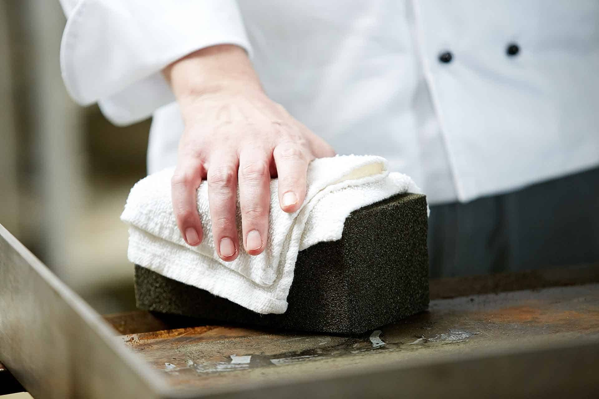 How To Use - GRiLL-BRiCK™ Cleaners